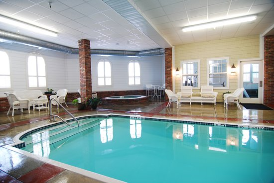Cascade, ID: Heated pool & spa, Fitness Room, all open 24/7 for our guests