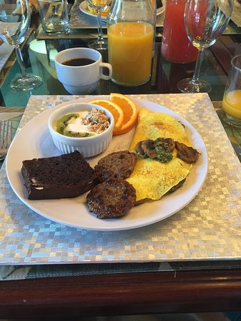Rainbow Inn Bed & Breakfast: Breakfast