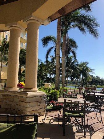 The Ritz-Carlton Golf Resort, Naples: Back terrace, lovely