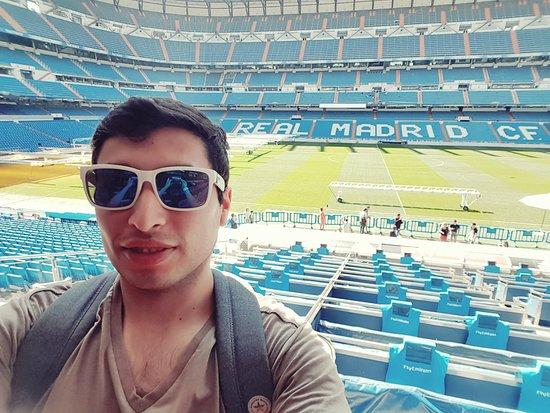 Estadio Santiago Bernabéu: 20170907_201356_large.jpg