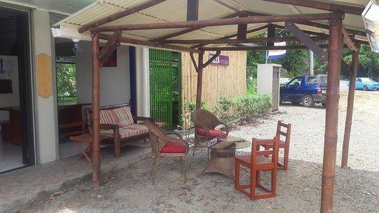 Alto de San Juan, Costa Rica: Enjoy a glass of wine or beer under our rancho.