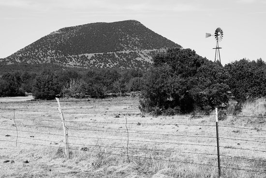 Capulin, نيو مكسيكو: Black and white of Capulin on our way in