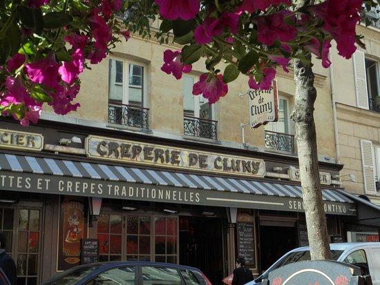 Hotel du Levant: Good restaurant next to hotel