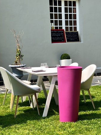 Fontenai-sur-Orne, فرنسا: simple et classe