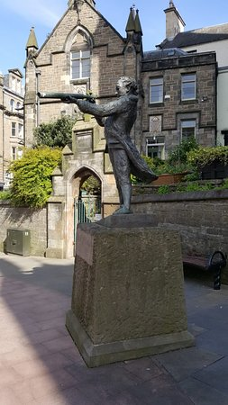 Adam Duncan Statue Dundee 2020 All You Need To Know