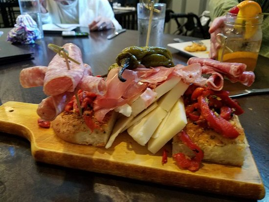 North Cape May, NJ: This is the Cheese Platter. WOW! The only thing I would have loved more was for it to have olive