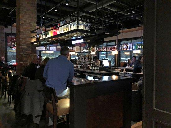 Rocky Hill, كونيكتيكت: Bar counter seating