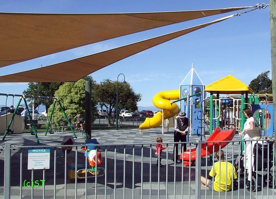 Kaiteriteri, New Zealand: children playground