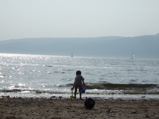 Inverkip, UK: The Beach at Lunderston Bay