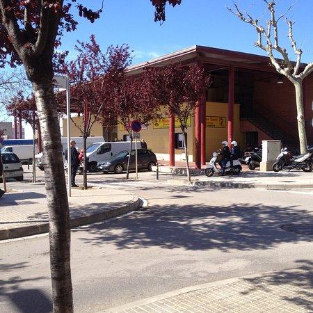 Roses, Spanien: Mercat Cobert Municipal