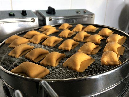 Elemento: Handmade Pumpkin Pasta #veggie