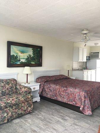 Southold Beach Motel Photo