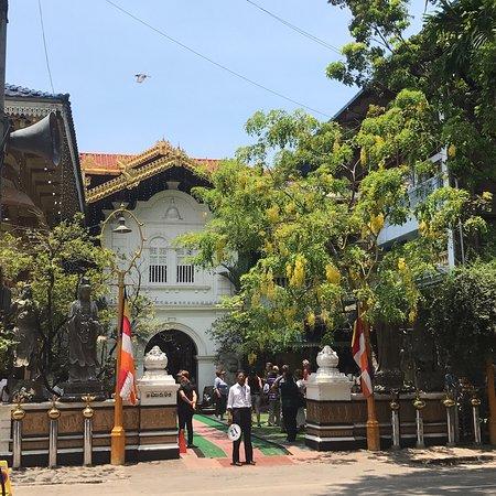 Βουδιστικός Ναός Γκανγκαραμάγια (Βιχάρα): Temple bouddhiste de Gangaramaya - Colombo