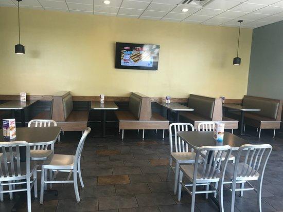 Ewing, نيو جيرسي: Inside Seating