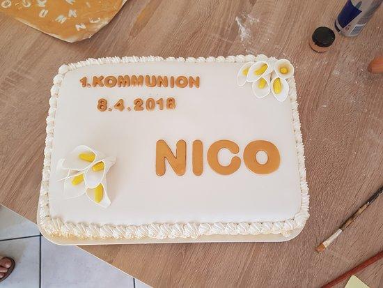 Arth, Szwajcaria: Hausgemachte Torte für die 1.Kommunion, auf Bestellung und nach Wunsch des Gastes, auch mehrstöc