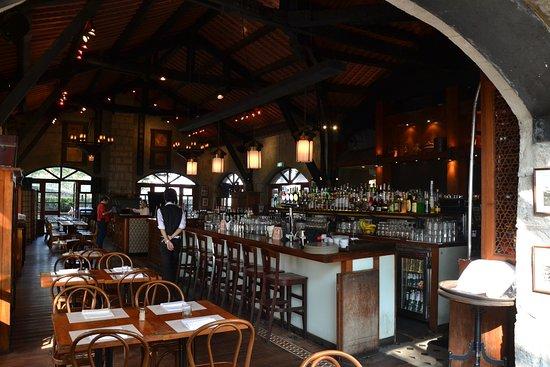 hong kong bar area