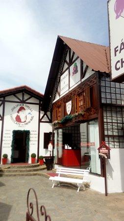 Chocolate do Papai Noel: Frente da Loja!