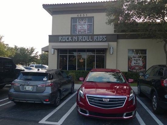 Rock n Roll Ribs: Faxada