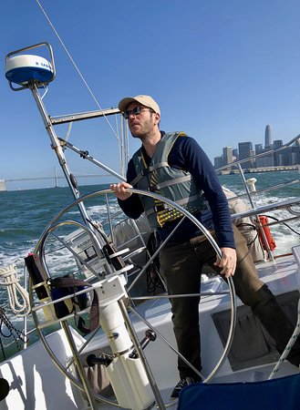 Captain Kirk's San Francisco Sailing - Tours: Taking a turn skippering