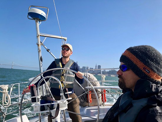 Captain Kirk's San Francisco Sailing - Tours: Aaron was a fabulous crew, and man can he make a snack platter!