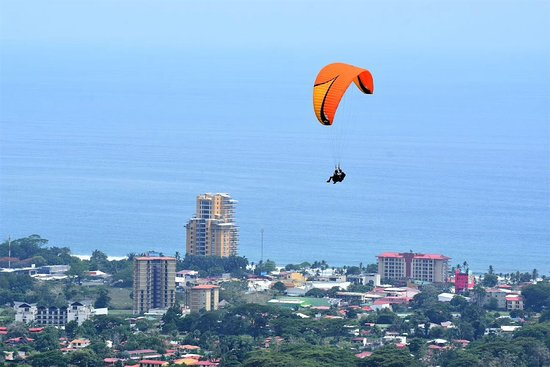 Paragliding free flight at Jaco takeoff, Jaco tours