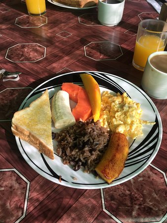 Cerro Chato Eco Lodge: Maria`s breakfast