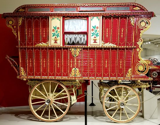 Gypsy Wagon - could even see inside - Picture of Owls Head