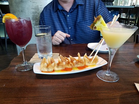 Blue Sushi Sake Grill: Great happy hour!