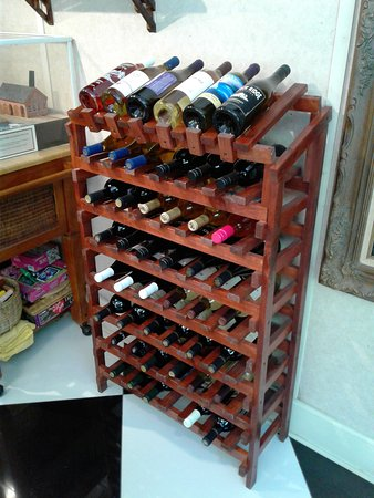 Yemassee, ساوث كارولينا: Regional wines are available for sale here.