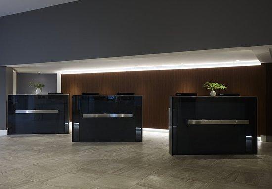 Uniondale, نيويورك: Lobby