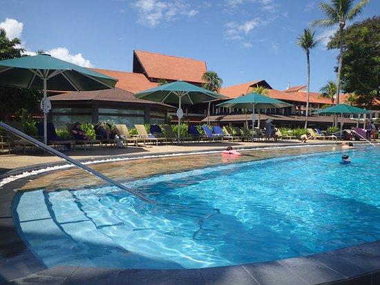 Shangri-La's Tanjung Aru Resort & Spa: infinity pool