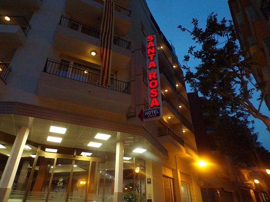 Hotel Santa Rosa: le devant de l'hotel