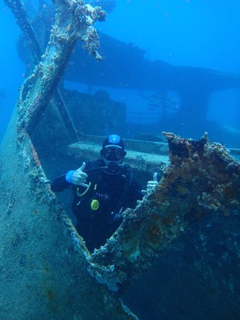 Scubafun: Divemaster Uros giving 2 thumbs up on wreck dive.