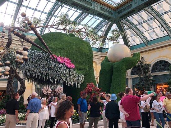 Bellagio Conservatory & Botanical Garden: OMG she was so amazing!