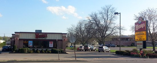 Newark, NY: front of & parking area for Wendy's