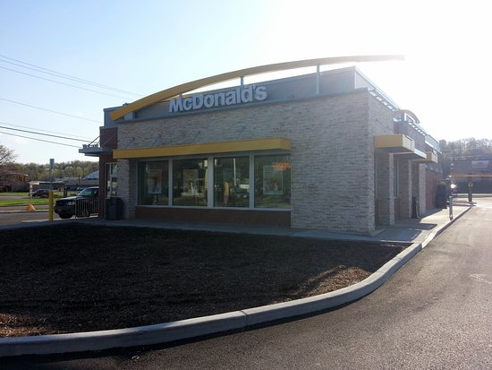 Newark, NY: front of McDonald's