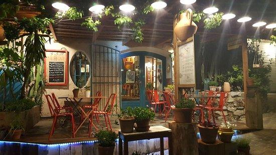 LE PIED DE NEZ, Le Castellet Menu, Prices & Restaurant