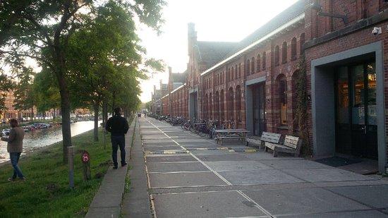 MediaCafe Westergasfabriek: Outside area