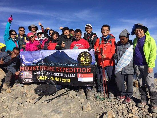 Jou Trekking: The amazing ridge to the summit