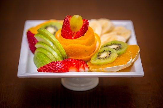 Maroon Bistro Cafe: maroon