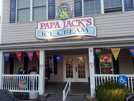 front entrance & porch at Papa Jack's Ice Cream parlor