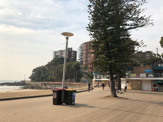 Manly Scenic Walkway: The start of the Manly to Shelly Beach walk at the Manly SLS Club