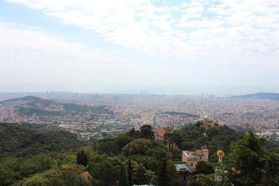 Parc d'Atraccions Tibidabo: Вид на Барселону