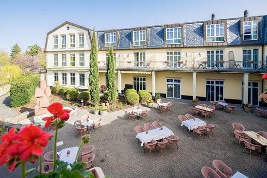 Best Western Wein- und Parkhotel Nierstein: Sommerterrasse