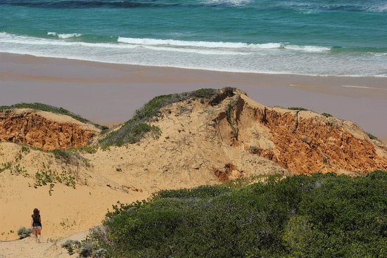 Provincie Inhambane, Mozambique: The walk down to the beach from the lookout