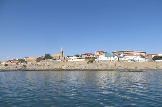 LÜDERITZ NEST HOTEL: View of town from jetty