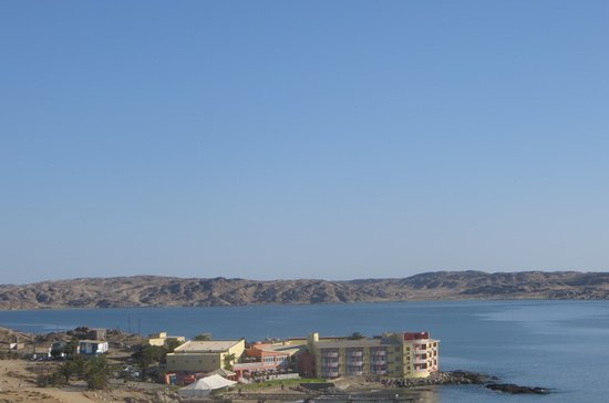 LÜDERITZ NEST HOTEL: Luderitz Nest Hotel as viewed from the church on the hill
