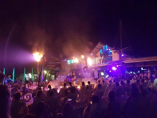 Slinky Beach Bar: 20180510_170901_large.jpg