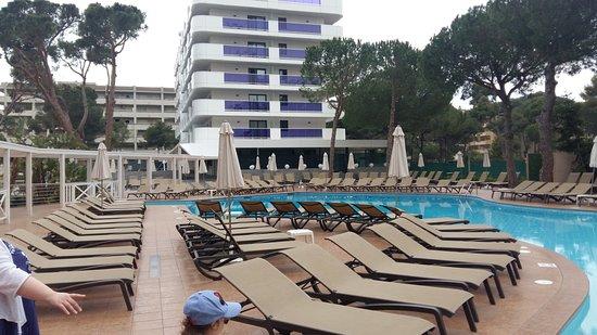 Golden Port Salou & Spa: Pool area