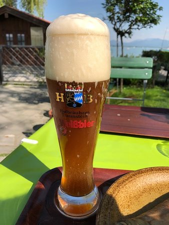 Fraueninsel im Chiemsee, ألمانيا: Beer with a view